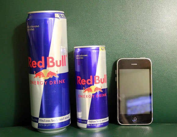 レッドブルとiPhone比較