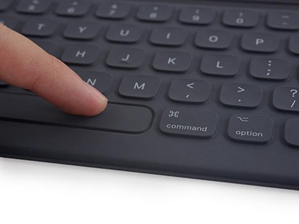 iFixit-report-smartkeyboard-foripadpro1