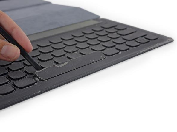 iFixit-report-smartkeyboard-foripadpro5