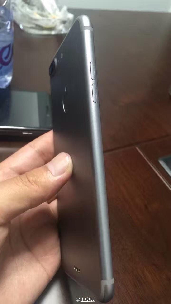 iPhone-7-Plus-Dummy-03