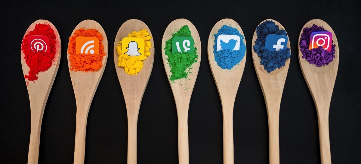 twitter-facbook-snapchat-instagram-vine-sns-logo